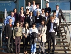 Chinese delegatie speelt simulatiespel Setting Standards